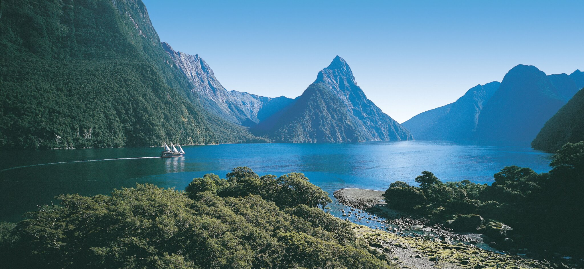 getting from queenstown to milford sound travel blog